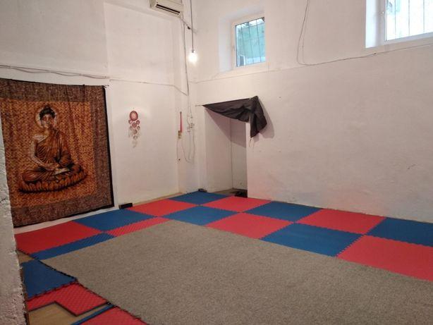 Спортивный зал в центре для йоги, творчества, танцев и единоборств