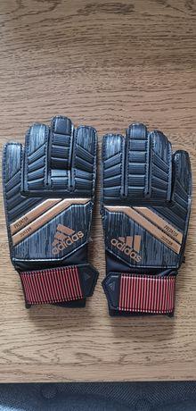 Rękawice bramkarskie Adidas Predator r. 3