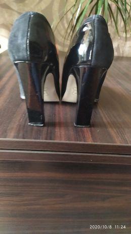 Туфли женские.на высоком каблуке