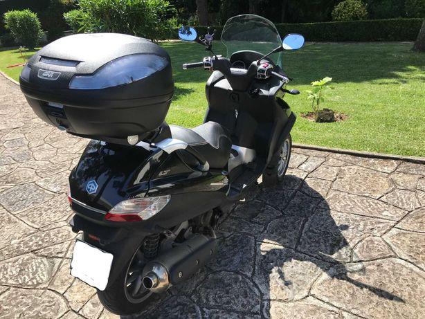 Moto Piaggio MP3 LT