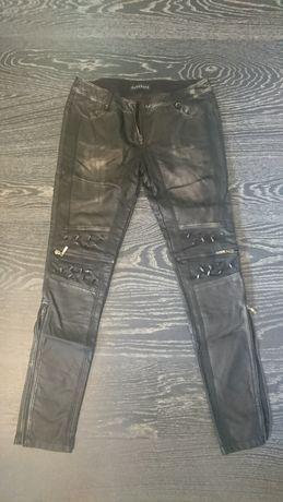 Новые кожаные штаны с шипами