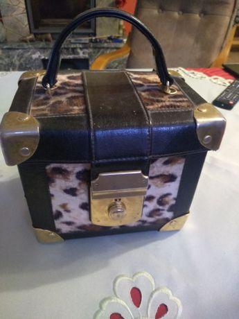 Torebka-kuferek cętki afryka