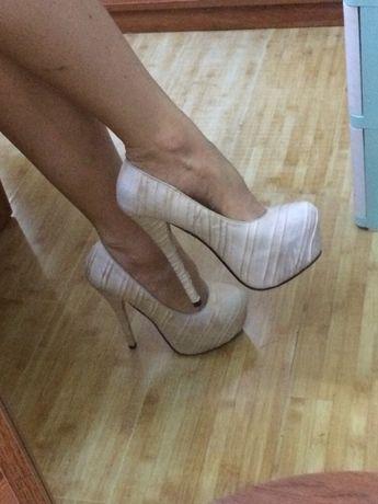 Туфли светлые бежевые белые свадебные выпускной go-go pole danc каблук