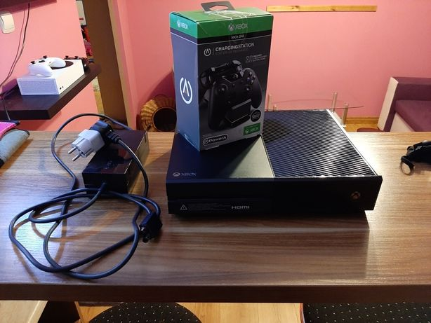 Xbox One 500gb  7 gier, bez pada