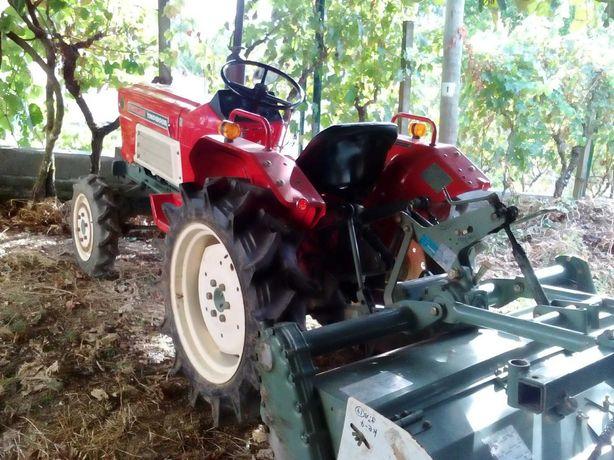 Trator Yanmar 21 CV  tração 4x4