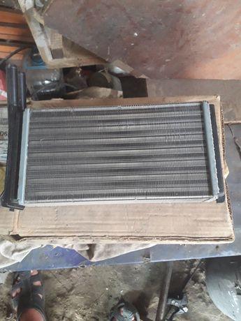 Радиатор печки новый и автокондиционер.