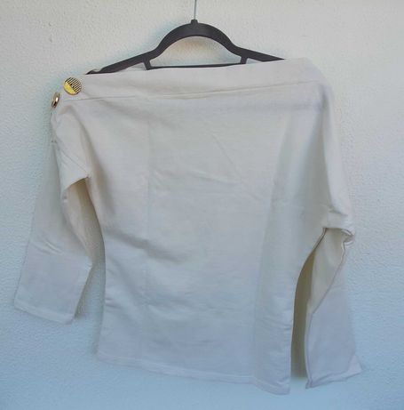Camisola branca com botões da New Laviva