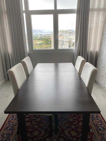 Mesa de jantar extensível IKEA + 4 cadeiras - Ótimo estado!