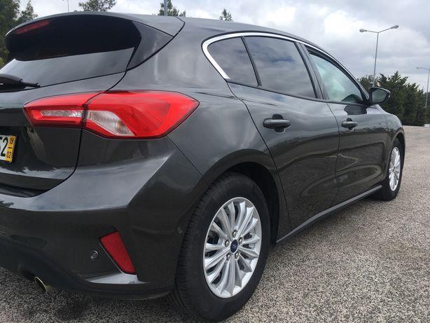 Ford Focus Titanium - Novo!