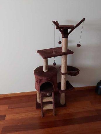 Torre/arranhador para gatos