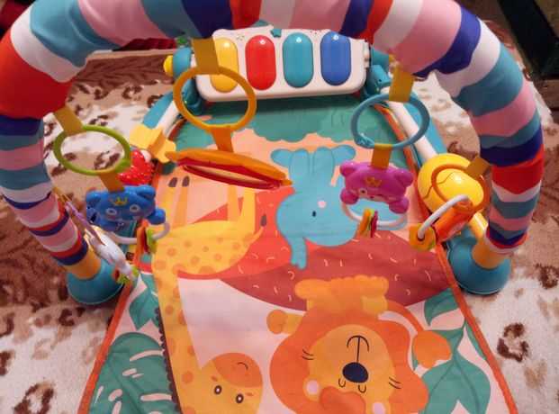 Розвивающий коврик для малышей