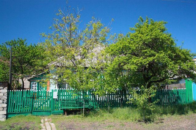 Продам дом в центре г. Снежное