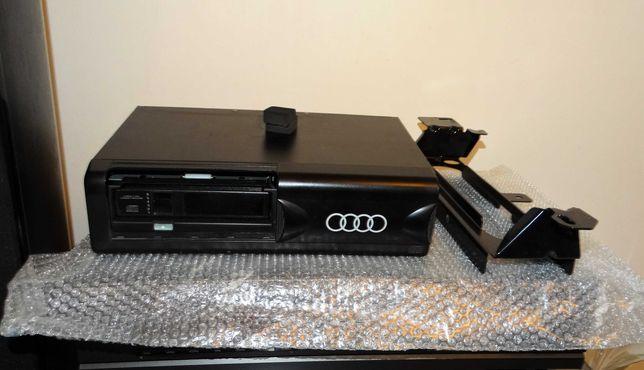 Zmieniarka CD z Audi A6 C4 (kaseta na 6cd) Oryginał AUDI CD CHANGER.
