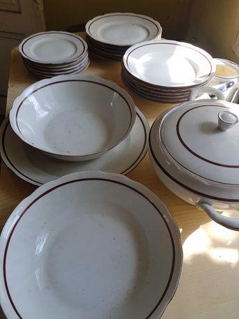 Zastawa stowa 25 sztuk Cmielòw porcelana