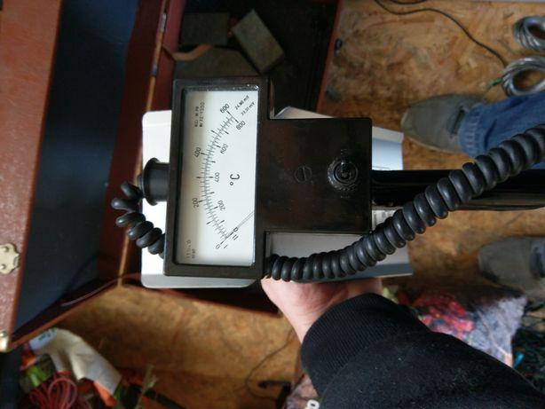 Termometr termoelektryczny przylgowy