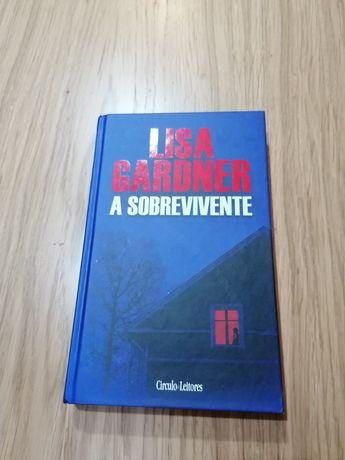Livro de capa dura - Lisa Gardner - A sobrevivente