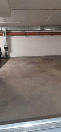 Miejsce parkingowe w hali garażowej Broniewskiego 4