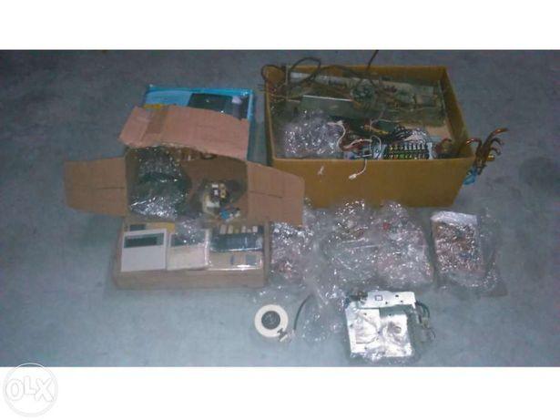 Placas de ar condicionado e ventiladores de ar condicionado usadas