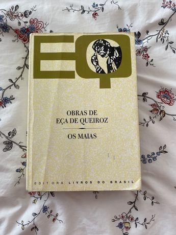 """Livro """"Os Maias"""" de Eça de Queiros"""