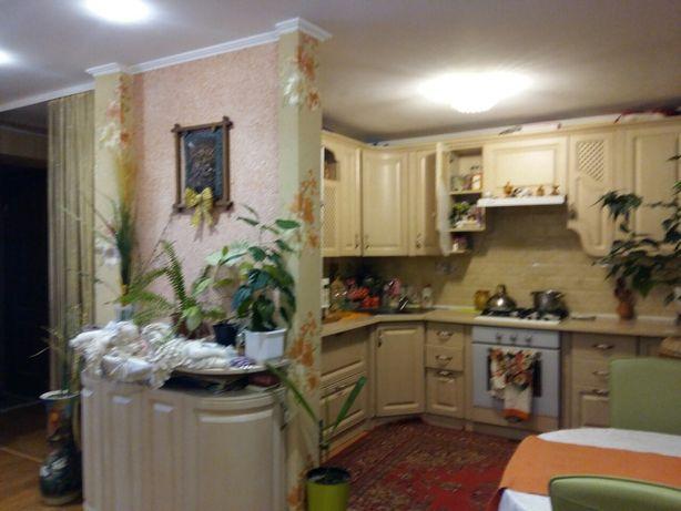 Продам 4 кімнатну квартиру р-н Черемушки