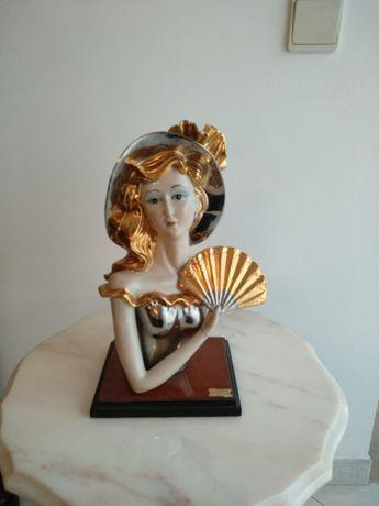 Estátua de porcelana 2