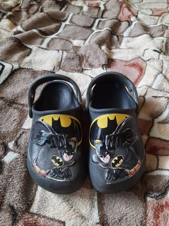 Crocs c10 Бэтмен