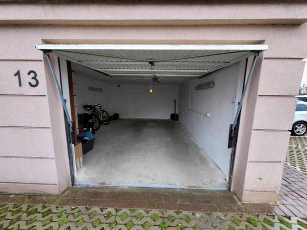 Garaż pod blokiem, duży 28 m/2, brama elektryczna. Bajkowe.