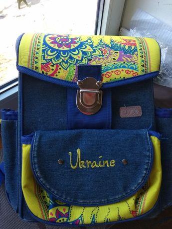 Рюкзак школьный с ортопедической спинкой Zibi