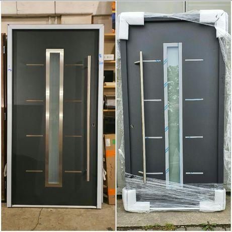 Nowe drzwi zewnętrzne metalowe z antaba pochwytem 110 RATY