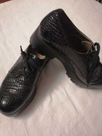 Туфлі натуральна шкіра лакована