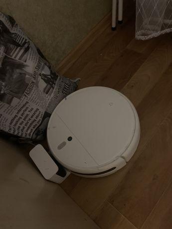 Моющий робот-пылесос Xiaomi ( пылесосит и моет пол)