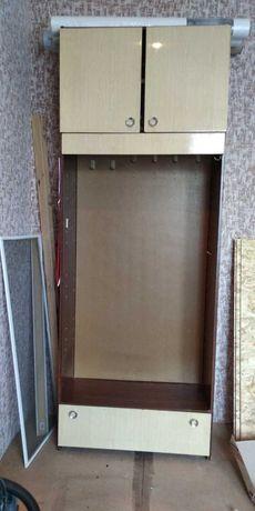 Продам открытый шкаф-вешалка с антресолью