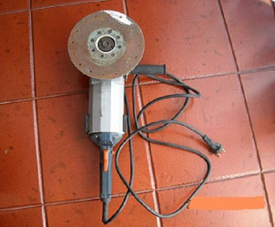 Rebarbadora / Esmeriladora Angular 220mm FELISATTI