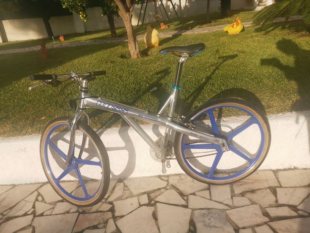 Bicicleta BTT roda 26 jante especial