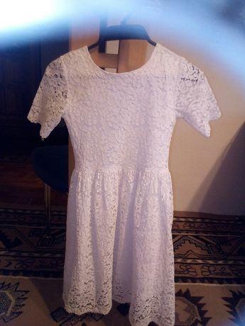 Sukienka z koronki 146