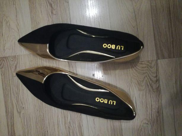 Czarno złote baleriny Lu  Boo