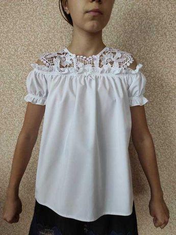 Школьная блузка с кружевом 10-11 лет