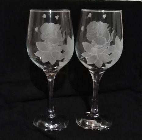 Lampki, kieliszki grawerowane do wina na prezent