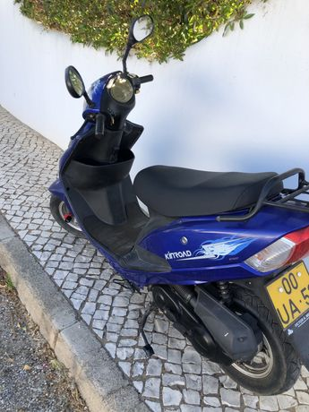 Scooter 50cc com apenas 1 ano em muito bom estado