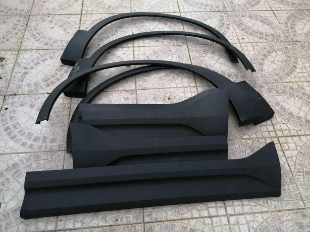 Frisos da porta e guarda lamas do Volvo XC40 original usado e novos