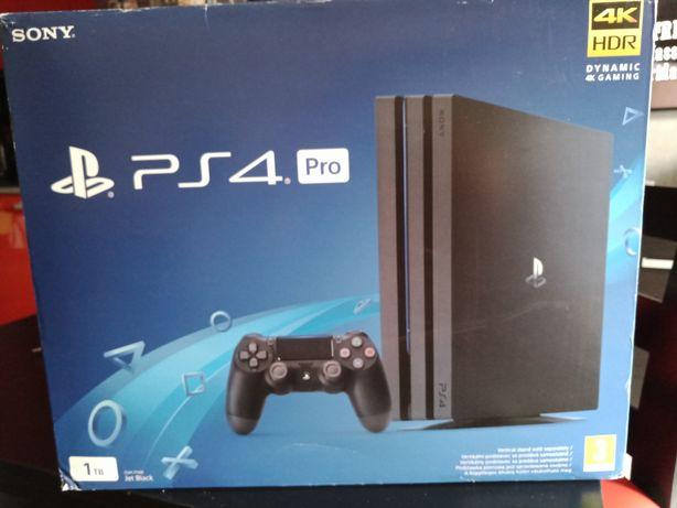 Konsola PS4 + gogle VR + 2 pady + 2 kontrolery + dodatki