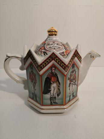 Stary ceramiczny czajniczek II
