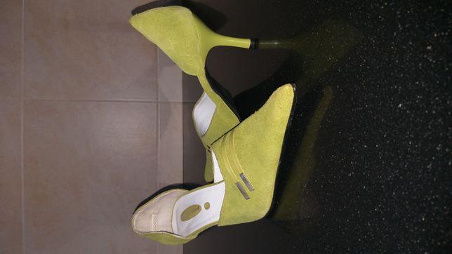 Sapatos novos de senhora n°40