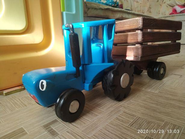 Синий трактор деревянный