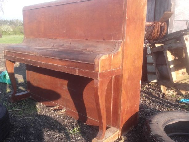 Pianino lata 60 .