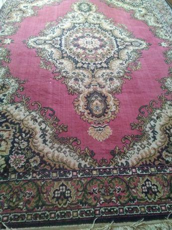 Продам ковёр 3,2×2,4