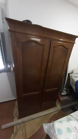 Roupeiro de duas portas