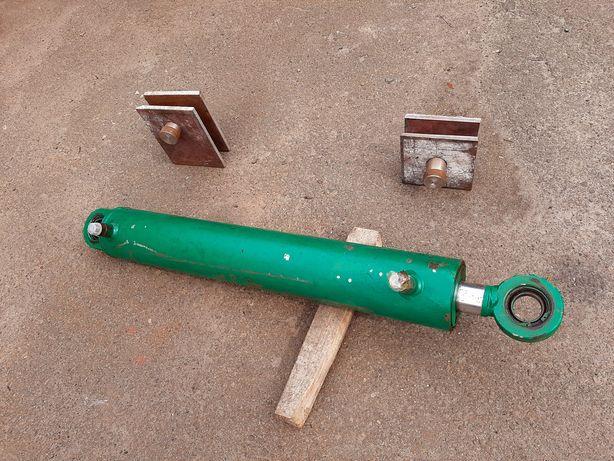 Гідравлічний циліндр для дровоколу