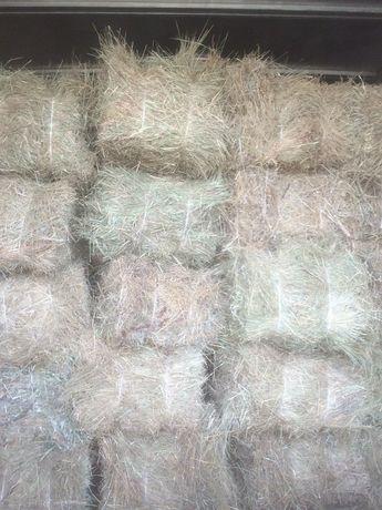Луговой сено в тюках