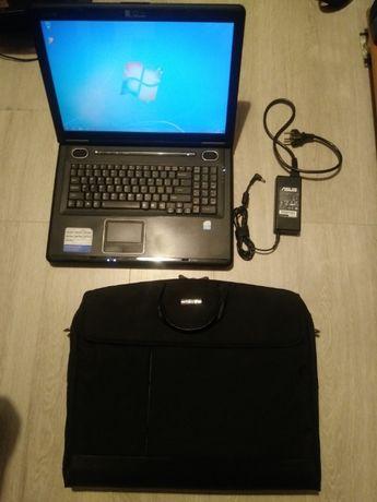 "Laptop ASUS X71S; Pentium T2390; 4GB ram, 250GB SSD; 17""; ATI HD3400"